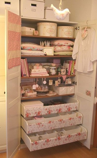 Re-organising my closet - AFTER by Country Cottage...