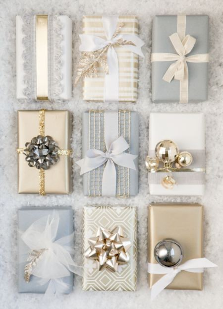 Pretty Holiday Gift Wrap - I could easily see myse...