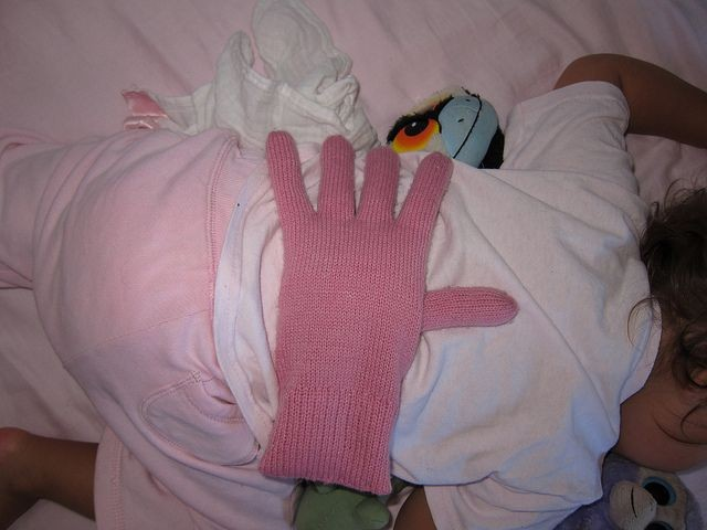 To all the new mommies! Fill a glove w/beans, pear...