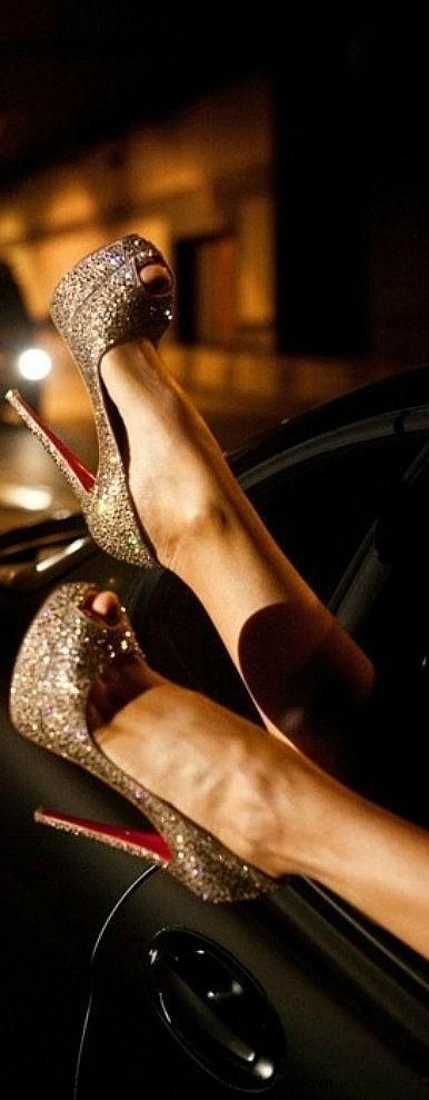 Louboutin boots outlet here for you,Press picture...