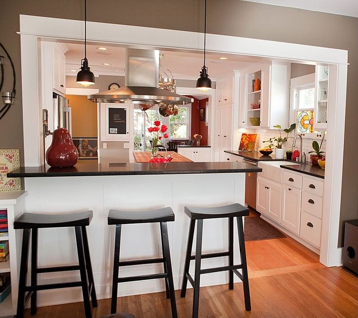 I like the set-up with the kitchen triangle and th...