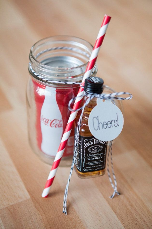 Give your guests wedding favors they'll actually l...