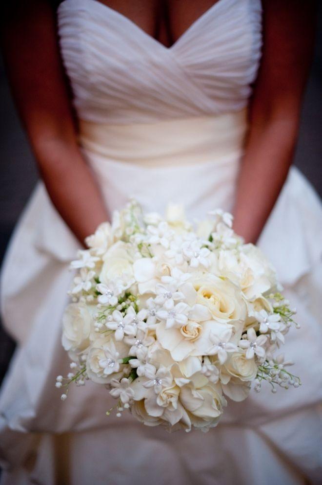 White bridal bouquets, ivory bridal bouquets, gard...