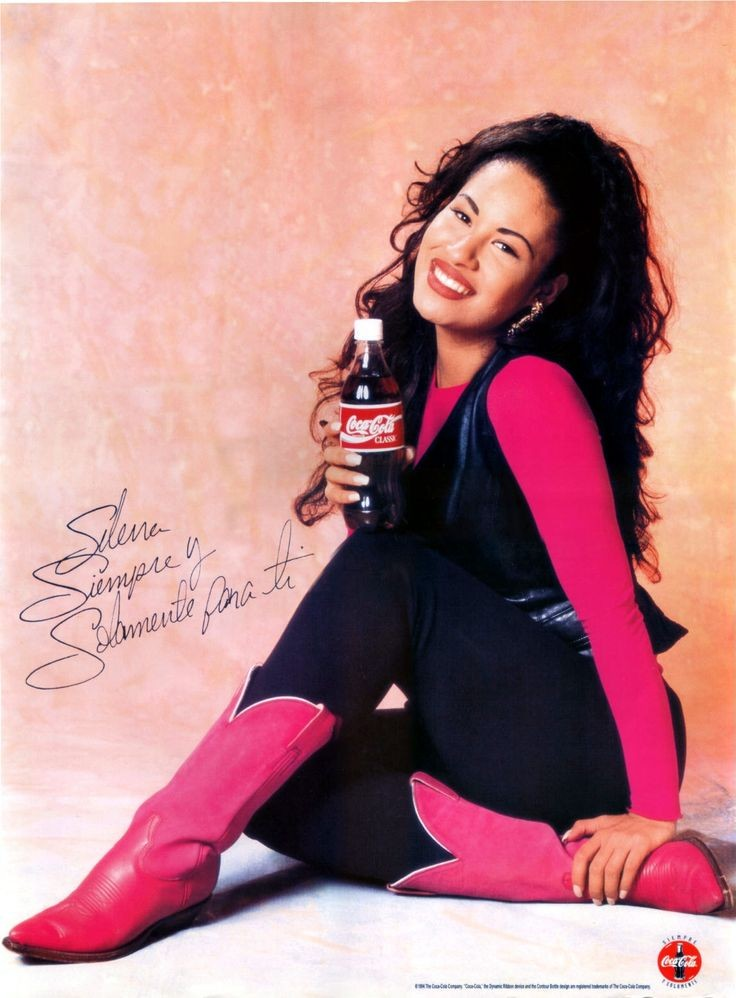 Remembering The Queen Of Tejano - Selena Quintanil...