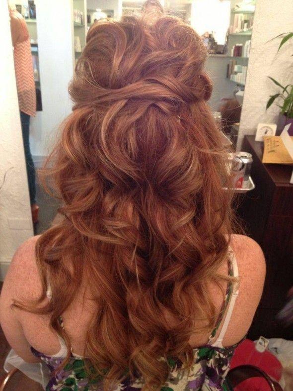 Wedding hairstyle. Long hair. Messy curls. Boho cu...
