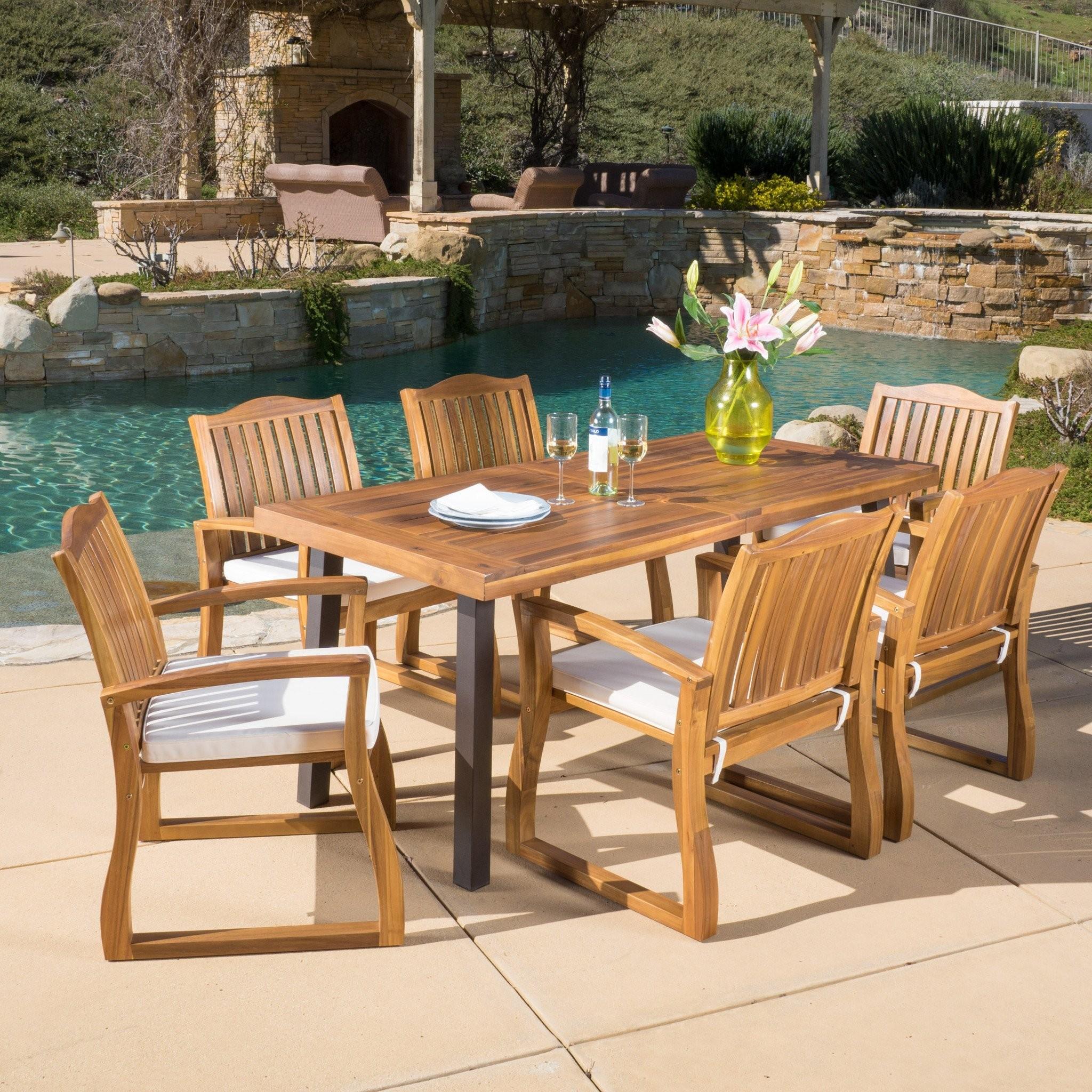 Vilamari Outdoor 7-piece Wood Dining Set with Cush...