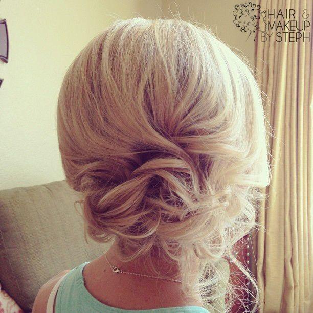 I LOVE THIS SOOOOOO MUCH!! Wedding hair updo for a...