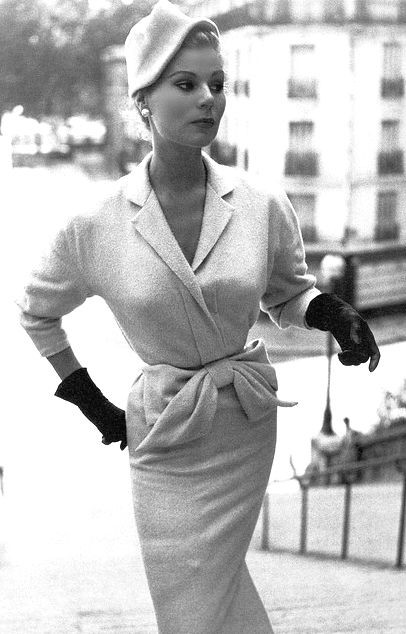 ~Elegant Wear 1953. The clean, tailored lines, glo...
