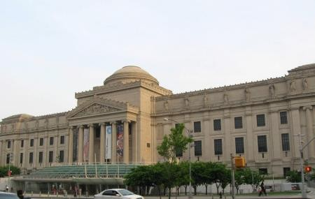 The Brooklyn Museum is art museum in New York City...
