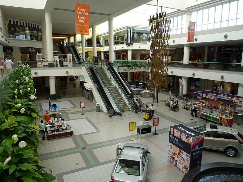Southdale Center is a shopping mall located in Edi...