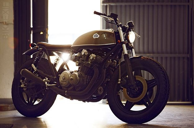 1980 Honda CB750 cafe racer. so pretty. can't beli...