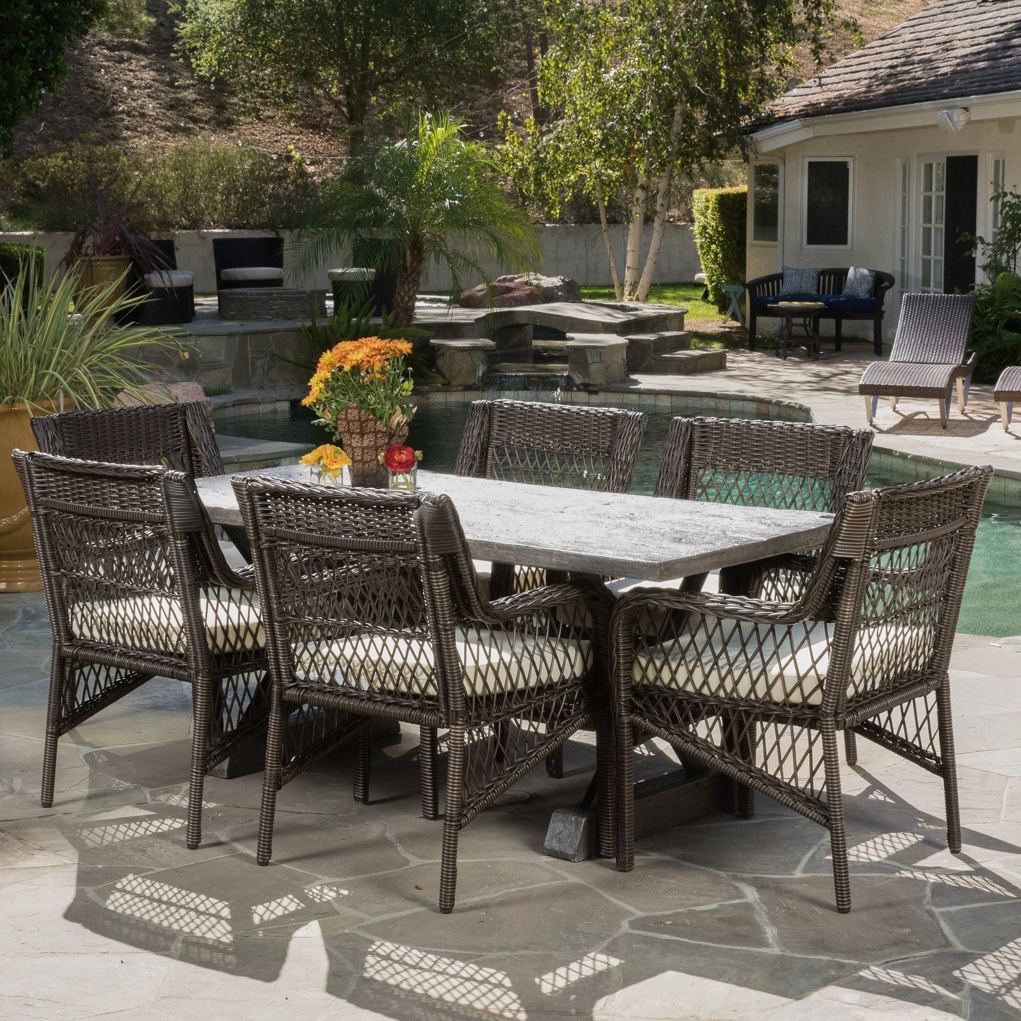 Linden Outdoor 7-piece Dining Set with Cushions