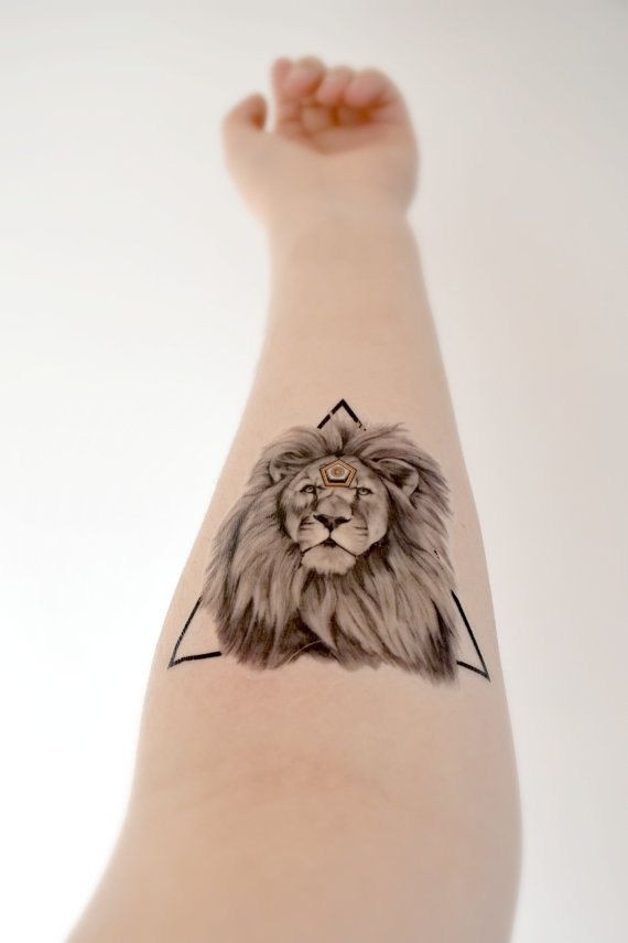 Geometric Lion temporary tattoo  King Strong Trian...