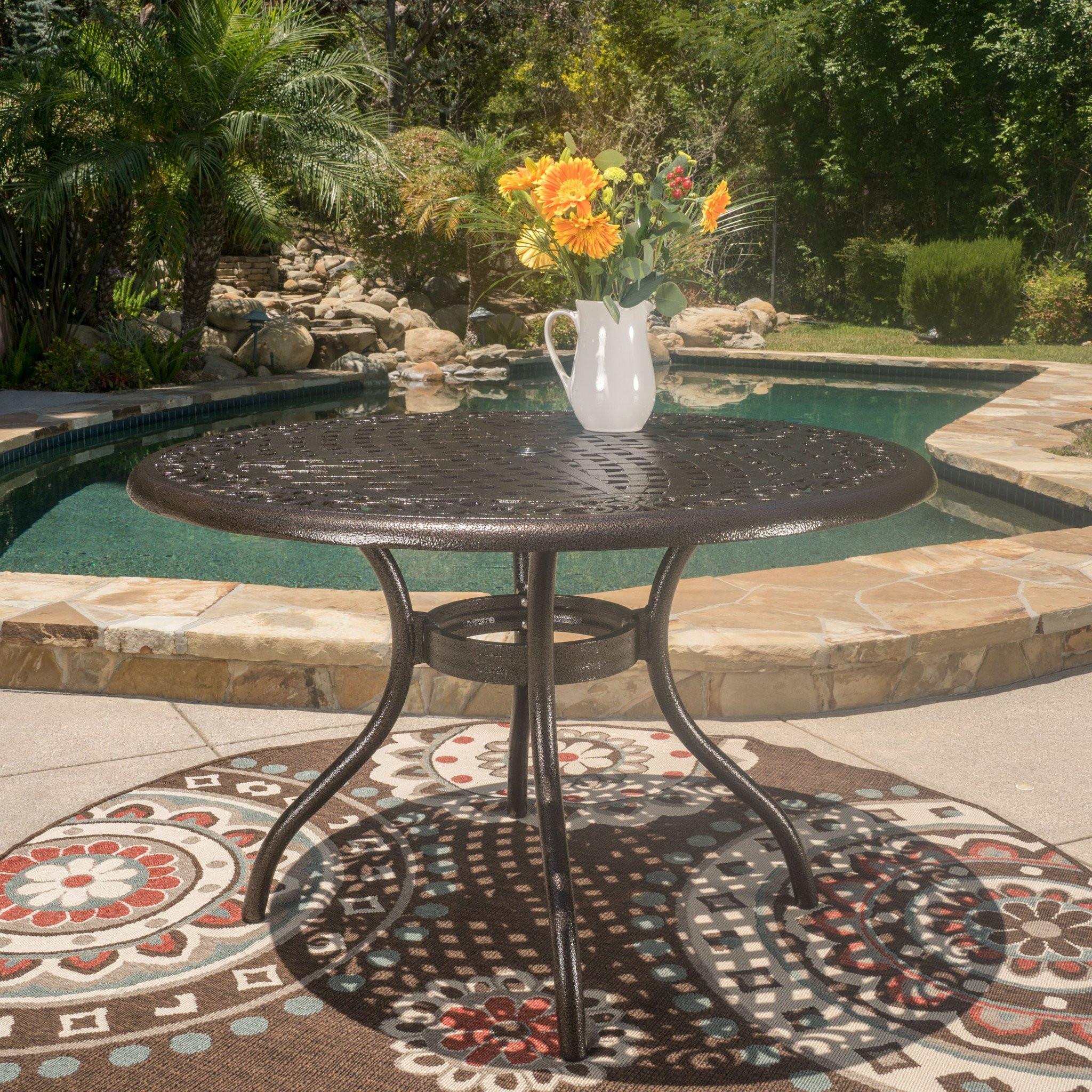 Kiawah Outdoor Round Dining Table